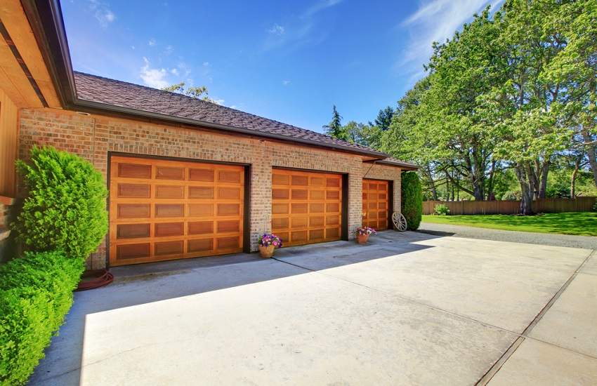 Garage Door Repair Services in Reseda