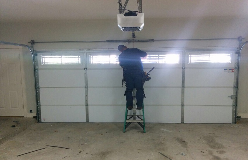 Garage Door Repair Services in Santa Clarita
